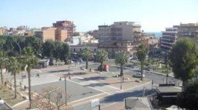 La città ricorda Leonardo di Monte