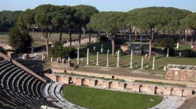 Il teatro romano di ostia antica si trasforma in arena for Programma arredamenti ostia