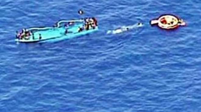 Naufragio nel Canale di Sicilia, decine di morti