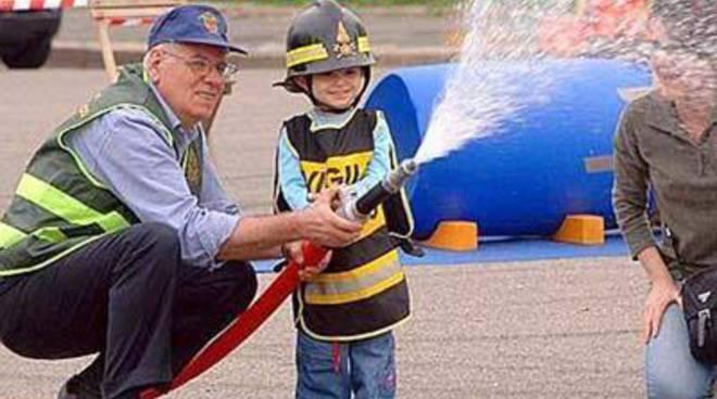 """""""Pompieropoli"""":diventa per un giorno un piccolo pompiere"""