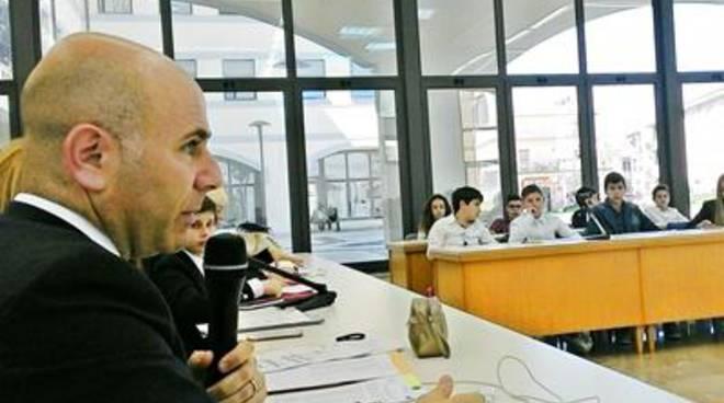 Seduta del Consigio comunale dei Ragazzi alla presenza del Sindaco De Meo