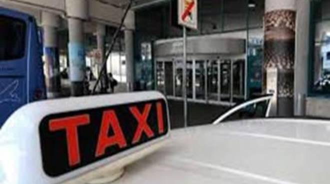 """Taxi e Ncc, Anselmi: """"Entro fine maggio si deve trovare un'intesa"""""""
