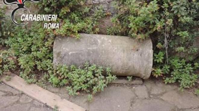 Trovata una colonna di epoca romana in un giardino privato