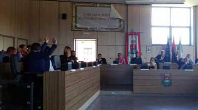 """Approvato in Consiglio Comunale il """"registro della bigenitorialità"""""""