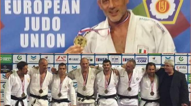 Bronzo alla nazionale Italiana master nella fase a squadre