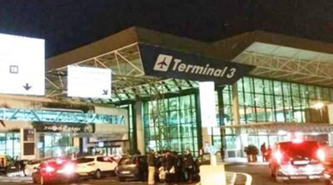 Incendio su un volo Alitalia per Milano