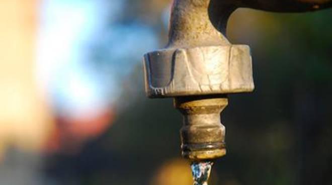 Interruzione idrica in via Rene