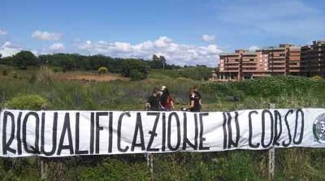 Militanti di CasaPound Italia riqualificano via della Tecnica