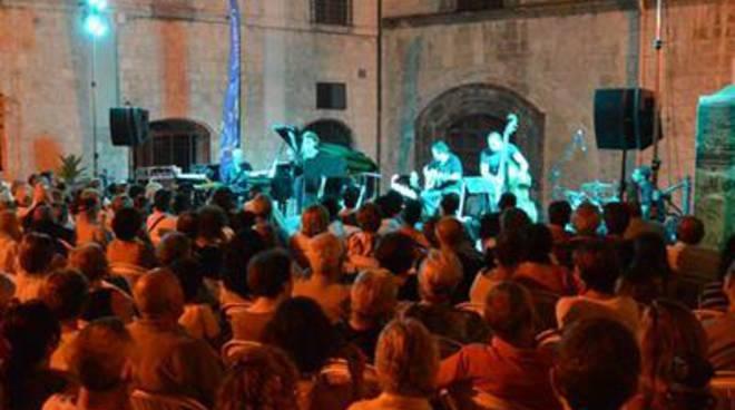 Musica e teatro per la prima settimana dell'estate tarquiniese