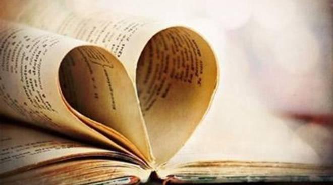 """Notta Bianca, """"La libreria e non solo"""".Un salotto letterario in piazza Grassi"""
