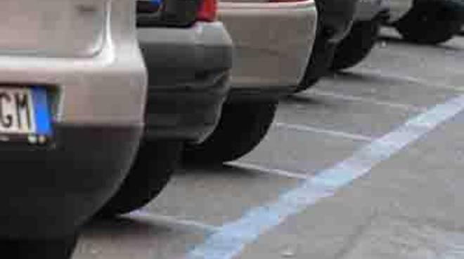 Parcheggi a pagamento a Torvaianica, domani avvio del servizio