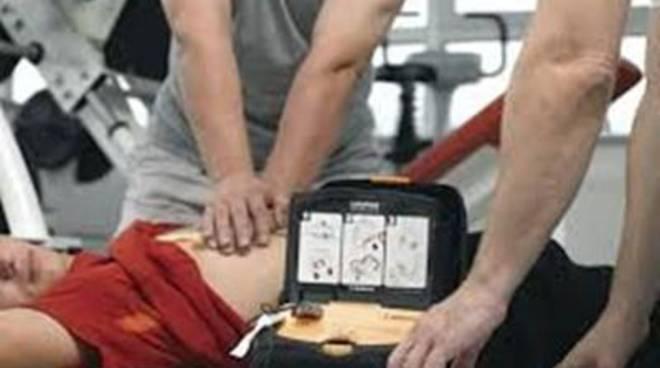 Rotaract e Rotary Club,donazione di un defibrillatore