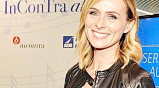 """Serena Autieri """"Incontra al volo"""" i passeggeri"""