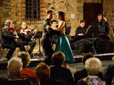 """""""Tra musica e danza"""", al castello dell'Abbadia la rassegna musico-culturale"""