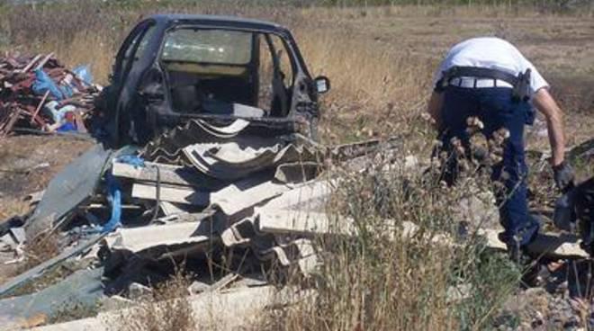 Ardea, operazione forestale:13 sequestri di auto rubate, 20 carcasse smaltite