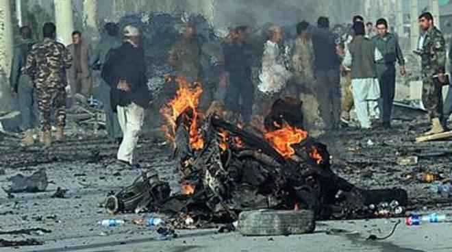 Bomba dell'Isis sugli sciiti a Kabul, almeno 80 morti
