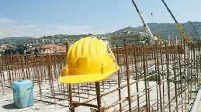 Edilizia in crisi, in Italia costruzioni in calo