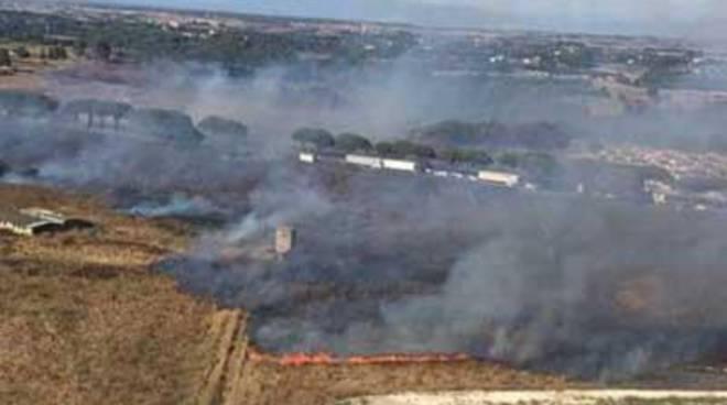 Emergenza incendi sulla Pontina: il sopralluogo del Sindaco