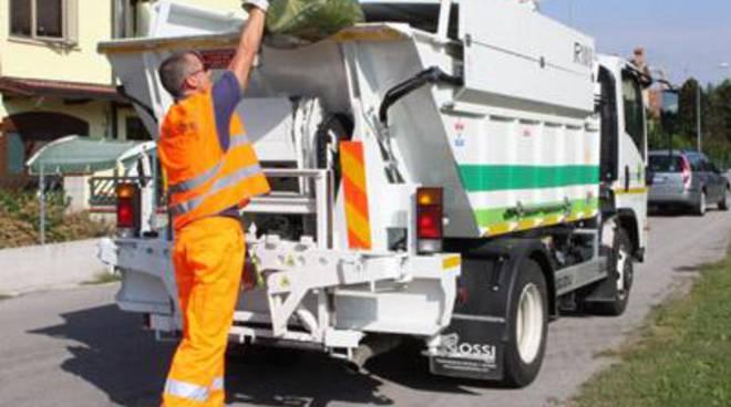 Estero: nuove contestazioni contro Igiene Urbana sulla raccolta rifiuti