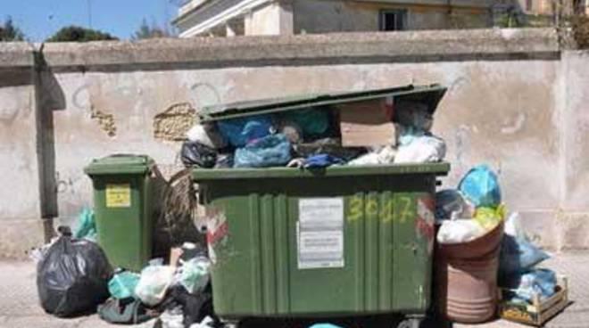 """Forza Nuova: """"Fermiamo i pendolari dei rifiuti"""""""