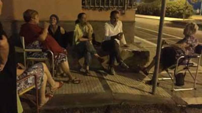 Il Sindaco in piazza tra i cittadini in diretta web sulla pagina Facebook del Comune