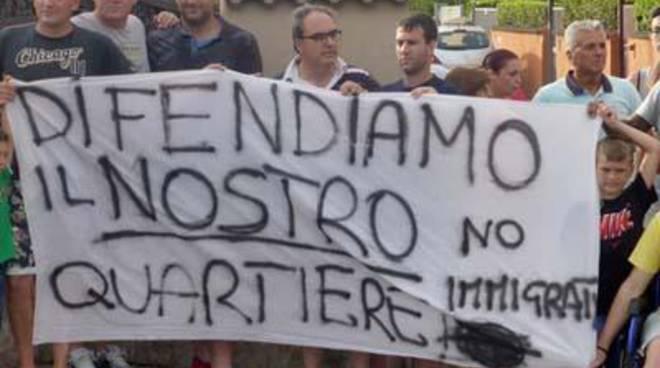 Immigrati, domani nuova manifestazione del comitato via Trincea delle Frasche-via Bombonati