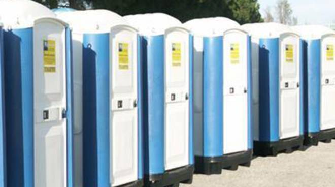 Ladispoli, confermati i bagni chimici davanti alla posta