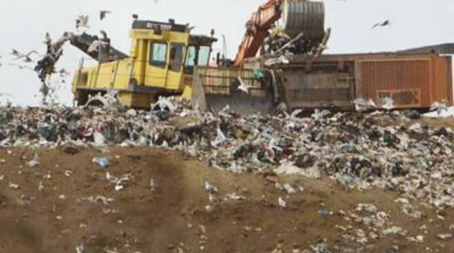 """Montello, Coletta: """"I due invasi restino fuori dalla riorganizzazione degli smistamenti dei rifiuti"""""""