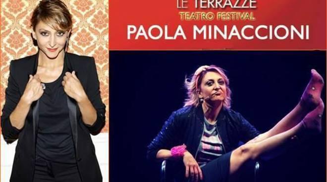 """Paola Minaccioni ne """"La ragazza con la valigia"""""""