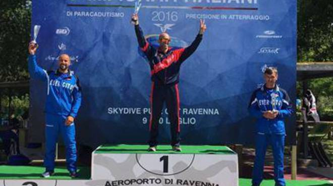 Paracadutismo, Il tarquiniese Marco Pizziconi campione italiano