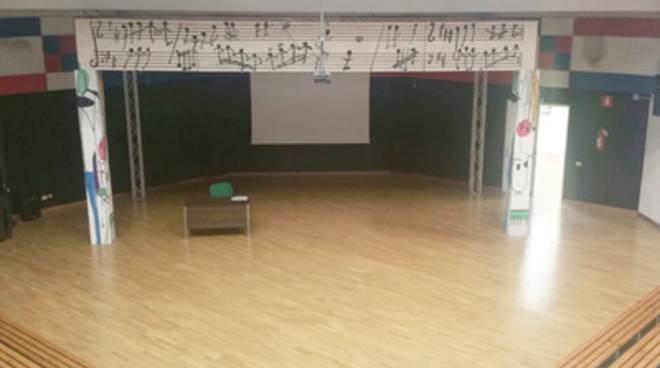 Pomezia,firmata una convenzione per l'utilizzo del teatro della scuola Marone