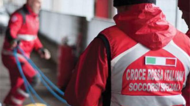 Prevenzione e screening gratuiti nella tenda pneumatica, il progetto della Croce Rossa