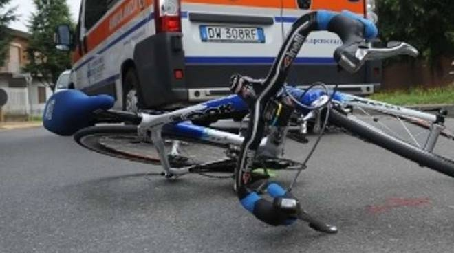incidente ciclista bicicletta