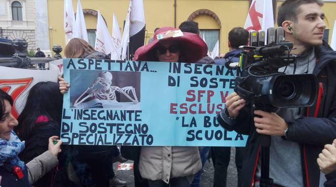Lunedì 14 novembre ancora lezioni a rischio, sciopera e manifesta l'Anief