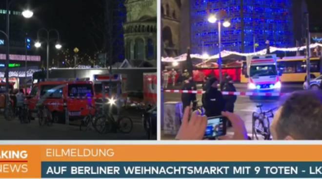 Berlino, camion sulla folla al mercato di Natale