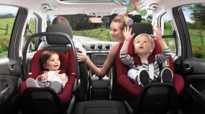 bambini seggiolini auto