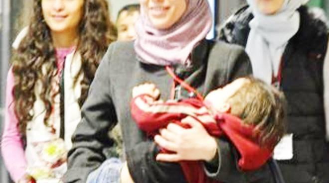 40 profughi siriani arrivano in Italia grazie ai corridoi umanitari