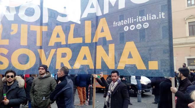 militanti fdi an di santamarinella alla manifestazione di roma il faro online. Black Bedroom Furniture Sets. Home Design Ideas