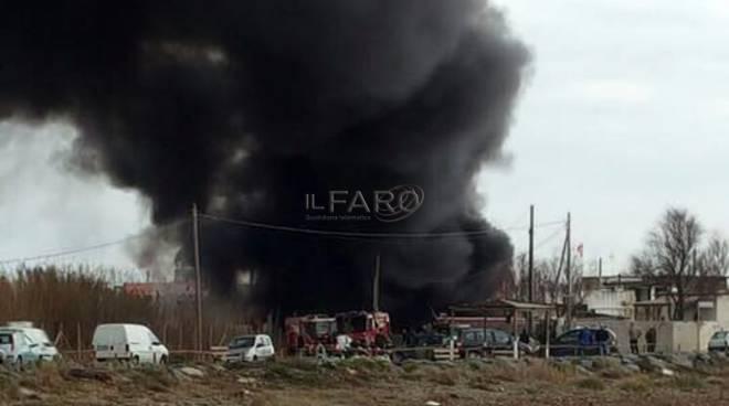 incendio via scagliosi a Fiumicino