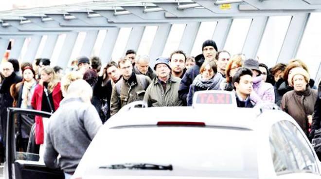 Fiumicino: furto pacchi, due arresti