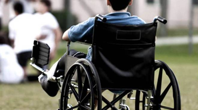 studente disabile in carrozzina