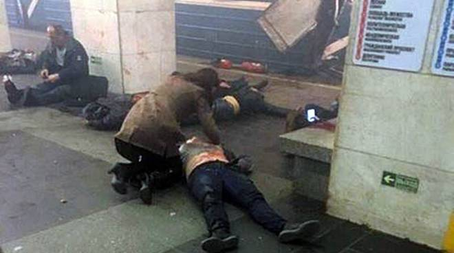 bombe stazioni metro di san pietroburgo