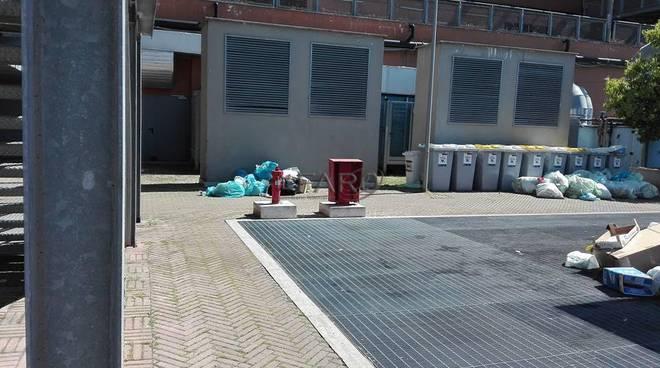 rifiuti parco leonardo