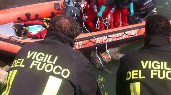 Trovato cadavere nel Tevere, il corpo recuperato in zona Parco Leonardo