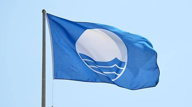 Risultati immagini per bandiera blu