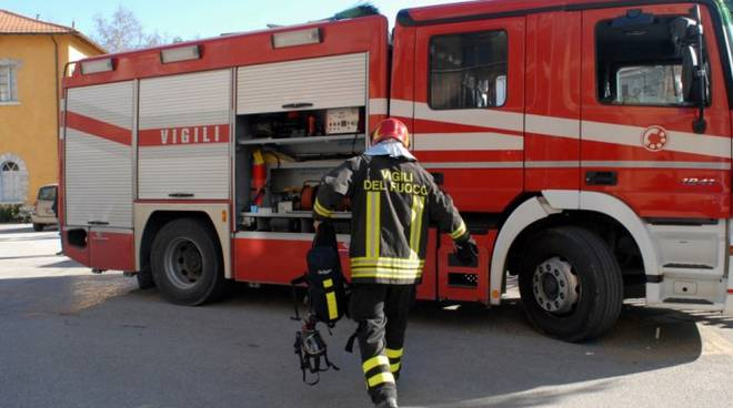 vigili del fuoco a latina