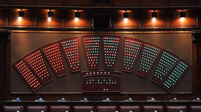 Errore tecnico mostra il voto segreto alla camera e il for Deputati alla camera
