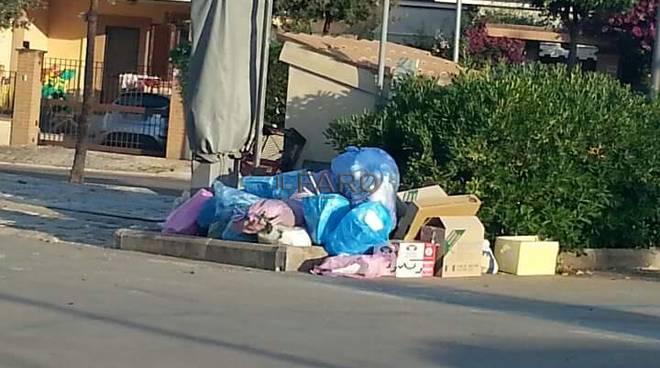 emergenza rifiuti a sperlonga