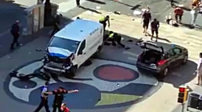 Risultati immagini per attentato barcellona