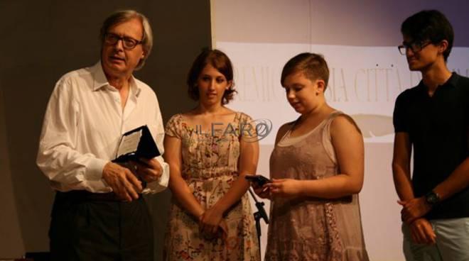 sgarbi nel comitato d'onore del premio poesia città di fiumicino